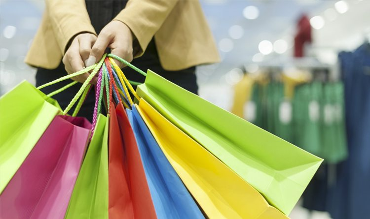 Quatro das oito atividades do varejo avançam ante setembro de 2019, diz IBGE